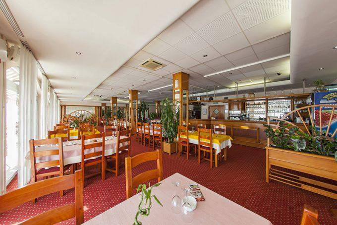 Restoran hotela 5