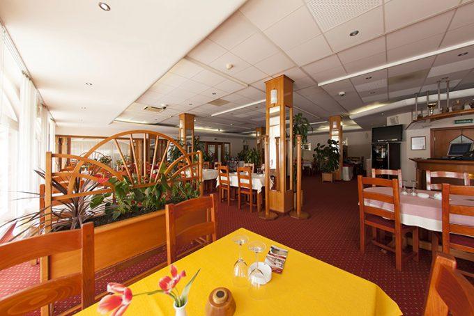 Restoran hotela 1